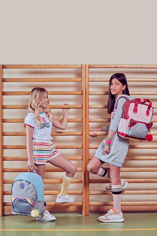 Retro Fashion-forward Girls